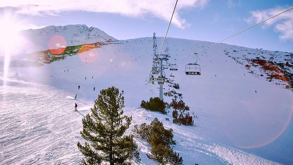 Bansko, η πολυτέλεια του χιονιού σε απόσταση αναπνοής
